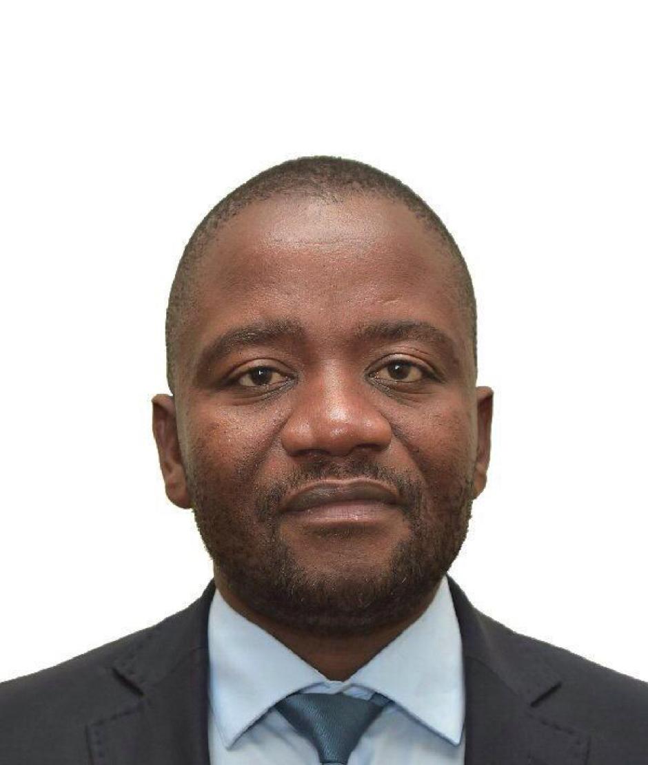 Dr Bongani Ngqulunga